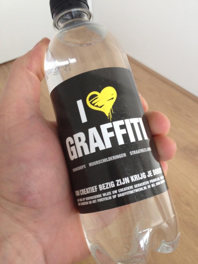 graffiti-water