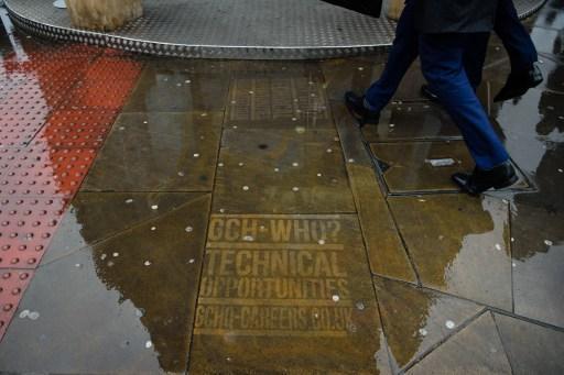 Britse geheime dienst rekruteert nieuwe spionnen via graffiti-campagne op straat
