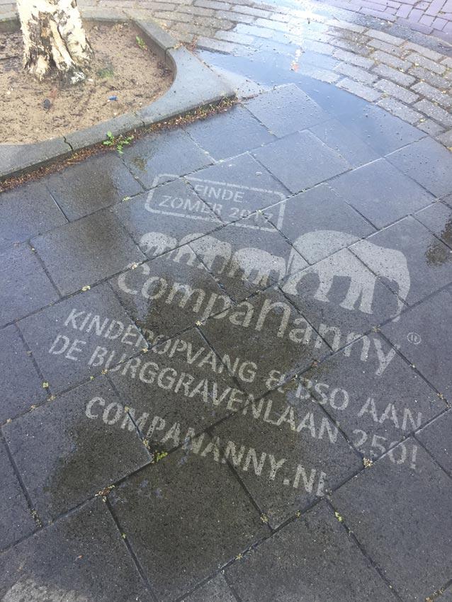 Water graffiti CompaNanny