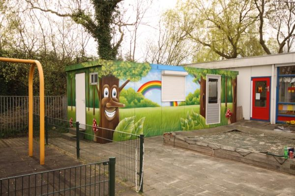 Bambino wall painting