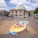 Anamorphose-Malerei während eines Straßenmalfestivals