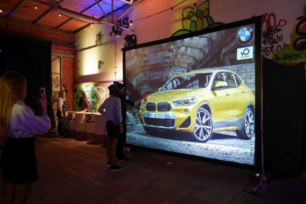Mur de graffitis interactif lors d'un événement BMW