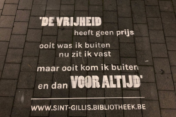 Street advertising Saint Gillis