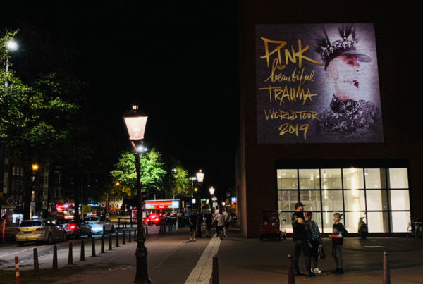 Campaña de publicidad para Pink! en Amsterdam.