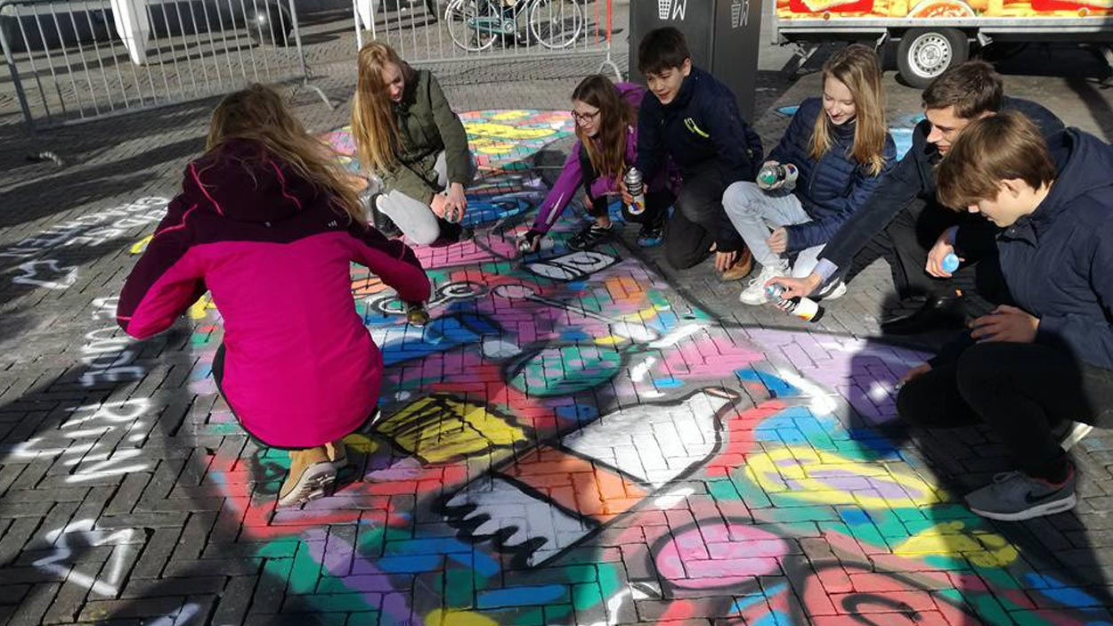 streetpainting-workshop-raw material jutters