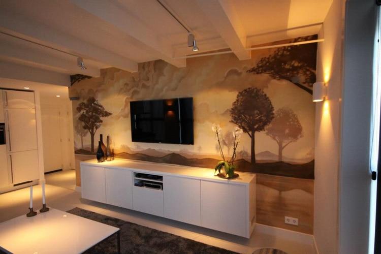 Sepia väggmålning vardagsrum