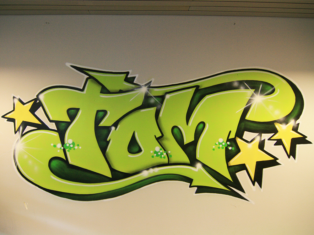 Tom med graffitibrev