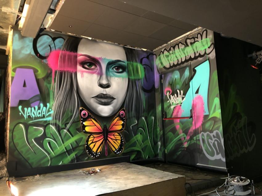 Murais de arte de rua no clube Vandal em Rotterdam