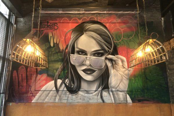 Gadekunstmaleri Brasserie Lookies