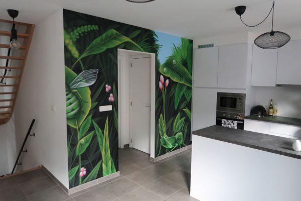 Jungle print painting at home