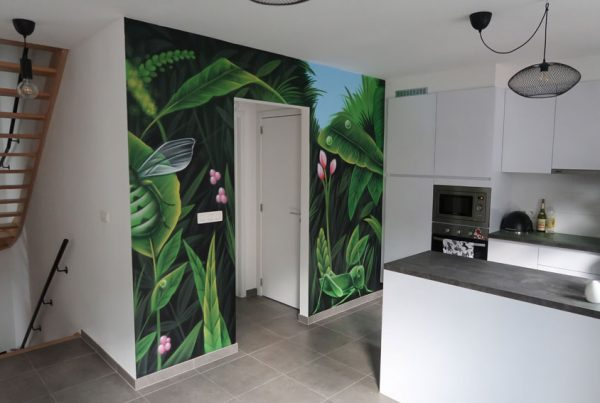 Jungle print schildering in huis